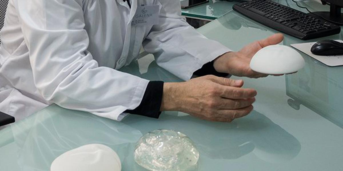 Síntomas de prótesis de pecho rota